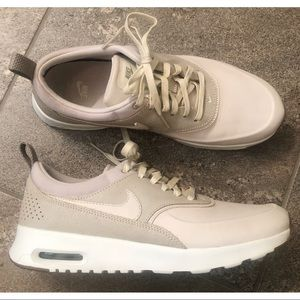 Nike Air Max Thea! Worn once!